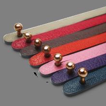 Fermoir boule en or rose 750 millièmes des bracelets cuir de la collection de bijoux pour enfants MIKADO.